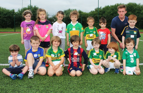 U6 players and their mentor. Photo by Gavin O'Connor.