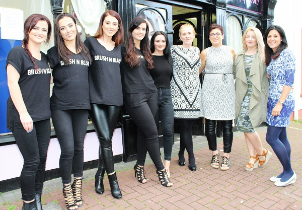 Kayleigh Murphy, Zoe O'Carroll, Maureen McCarthy, Sadhbh Clifford, Aoife Staunton, Teresa Nevin, Francis McCarthy, Nicola Allan and Zhaia Shannon at the Brush N Blush Ultimate Girls Pampering Evening. Photo by Gavin O'Connor.