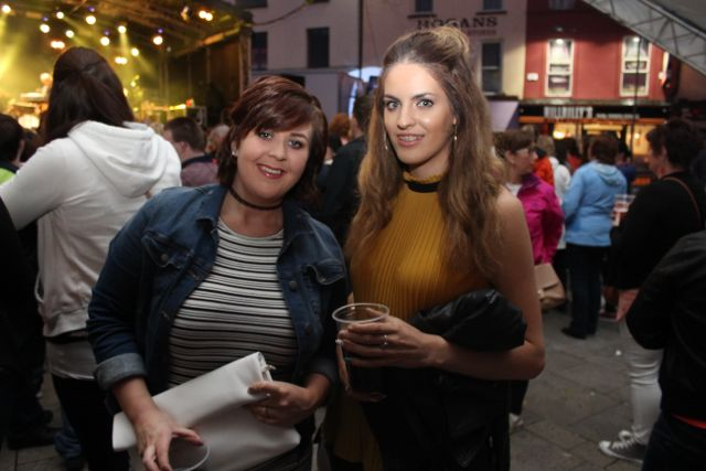 Emma Moriarty and Lorraine Truslove at the Nathan Carter concert on Tuesday night. Photo by Dermot Crean