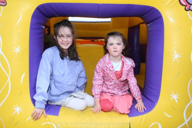 Emily and Molly O'Regan at the barbecue in aid of Fenit Lifeboat on Saturday night. Photo by Dermot Crean