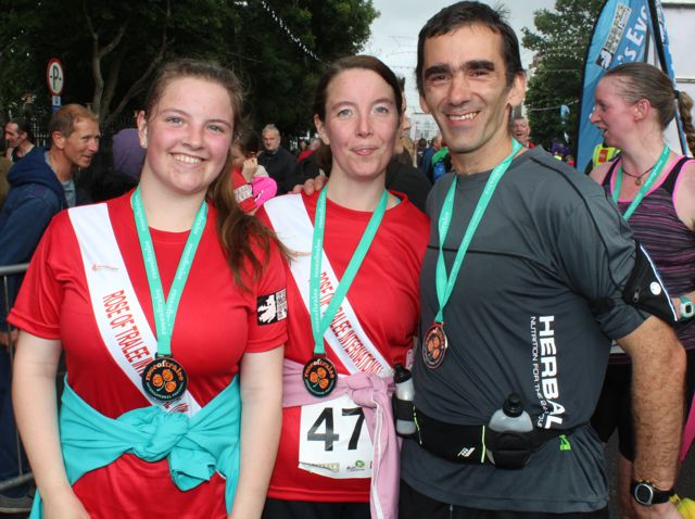Leanne Hannafin, Tina and David Walsh at the Rose of Tralee 10k Run on Sunday afternoon. Photo by Dermot Crean