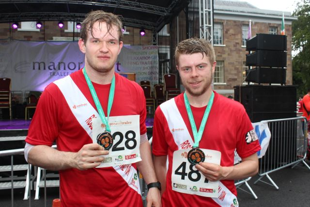 Brendan and Michael O'Brien at the Rose of Tralee 10k Run on Sunday afternoon. Photo by Dermot Crean