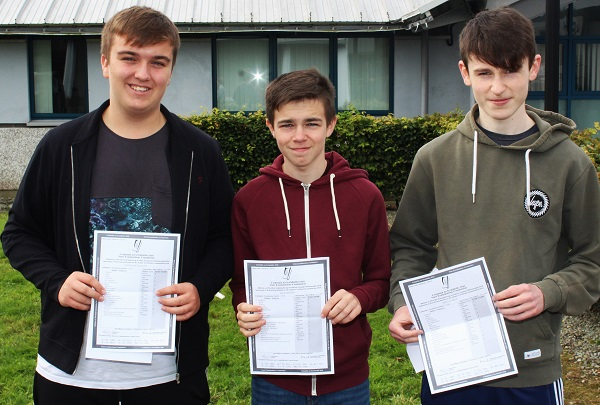 Ronan McElligott, Jack Murphy and Niall O'Shea receiving their Junior Cert results in Mercy Mounthawk. Photo by Gavin O'Connor.