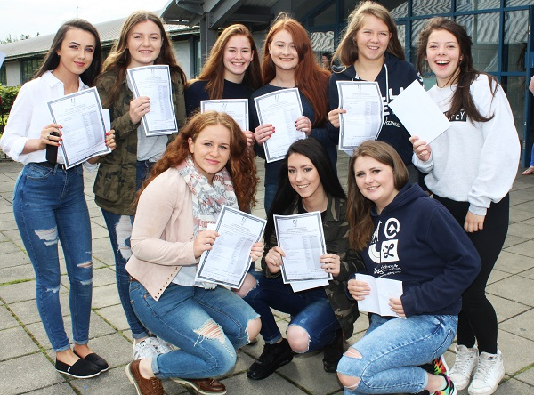 In front: Deirdre O'Halloran, Jade Sanderson. Back: Ciara Moynihan, Lucy O'Sullivan, Heidi Crean, Rebecca Dennehy, Rheia McElligott, Deirdre O'Halloran and Marian Knightly receiving their Junior Cert results in Mercy Mounthawk. Photo by Gavin O'Connor.