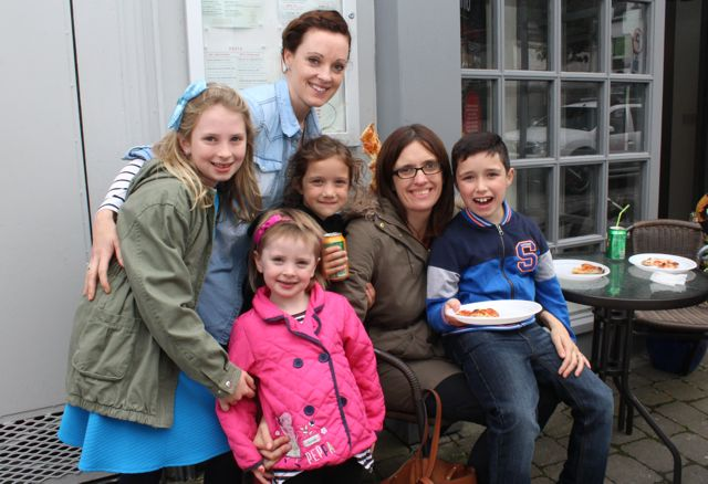 Enjoying mini pizzas at Il Forno on the Taste Trail as part of the Tralee Food Festival on Saturday were Ella, Samantha and Abby Dorgan, Blathnaid, Joanna and Tadhg Murphy. Photo by Dermot Crean