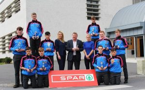 Promoting 'The Green Fun 5K' sponsored by Spar on the Castlemaine Road were, front from left: Andrew Breen, Josh Wadding, Daniel O'Rourke and James Friel. Back: Cathal Mc Loughlin, Donal Dillane, Ben Foley, Karen Tobin (Teacher), Norman Foley (Spar), Helen Kelliher (Teacher) Dean Scanlon, Paraic O'Callaghan, Kevin Browne. Photo by Gavin O'Connor.