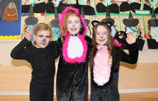 Katelyn Laide, Tara Dowling and Claudia Duffin enjoying Halloween fun at St Brendan's NS Blennerville on Friday. Photo by Dermot Crean