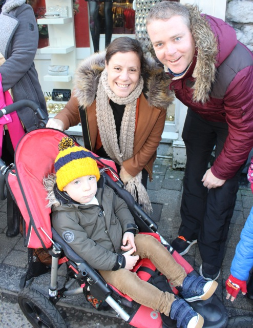 Erica, Declan and Adam Quill at the CH Chemists Christmas Parade on Saturday. Photo by Dermot Crean