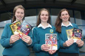 Transition Year students Katie Nagle, Amy O'Mahony and Jenny Fox who have made Christmas Cards to sell with some proceeds going to the Kerry Cork Health Link Bus. Photo by Dermot Crean