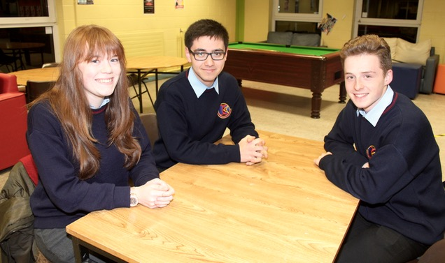 Alana O'Connor, Solas O'Halloran and Matt Tyrkiel at the ISTA Kerry quiz at IT Tralee South Campus on Thursday night. Photo by Dermot Crean