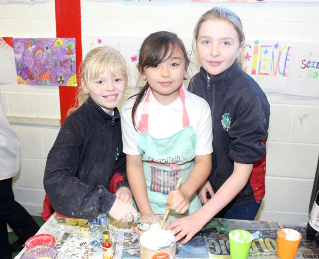 Grace Lowe, Leah Wang and Ella Moore at the Scoil Eoin Science Day on Wednesday. Photo by Dermot Crean