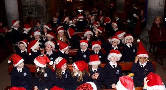 Hats at the ready at the St Brendan's NS Blennerville Christmas Concert on Tuesday night. Photo by Dermot Crean