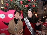 Mayor of Tralee Norma Foley with Rose of Tralee Jennifer Byrne at the turning on of the Christmas Lights in the Square. Photo by Dermot Crean