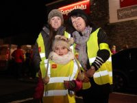 Rachel, Kelly and Bernie Hayes at the Garvey's Supervalu Tralee Operation Transformation walk on Thursday evening. Photo by Dermot Crean