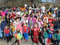 The participants up for the fun run in the Town Park on Saturday. Photo by Dermot Crean
