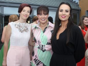 Kayleigh Breen, Caroline McEnery and Niamh McCarthy a at the Don O'Neill Gala Dinner for Recovery Haven at Ballyroe Heights Hotel on Friday night. Photo by Dermot Crean