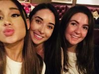 Ariana Grande poses for a selfie with Tralee ladies Jenny Lynch and Jenny O'Donnell.