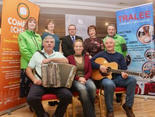 Launching the Ballad and Folk Night fundraising concert at The Ashe Hotel were, front from left; Peter Tigge, Pamela O'Connor and Dave Buckley. Back from left; Julie O'Sullivan (Tralee Community Responders), Mary Lynch, Padraig Hanrahan (The Ashe Hotel), Mary Fitzgerald (Comfort For Chemo Kerry) and Jimmy Murphy (Tralee Community Responders). Photo by Dermot Crean