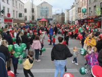 The huge crowd at the CH Christmas Parade on The Mall on Saturday. Photo by Dermot Crean