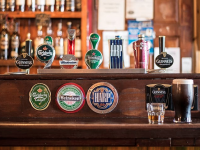 Healy Rae Calls On Government And NPHET To Take More Imaginative Approach To Pubs Reopening