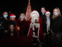 The O'Flaherty family from Ballymac with Santa and Padraig McGillycuddy at the turning on of the lights at Ballygarry House Hotel on Friday evening. Photo by Dermot Crean